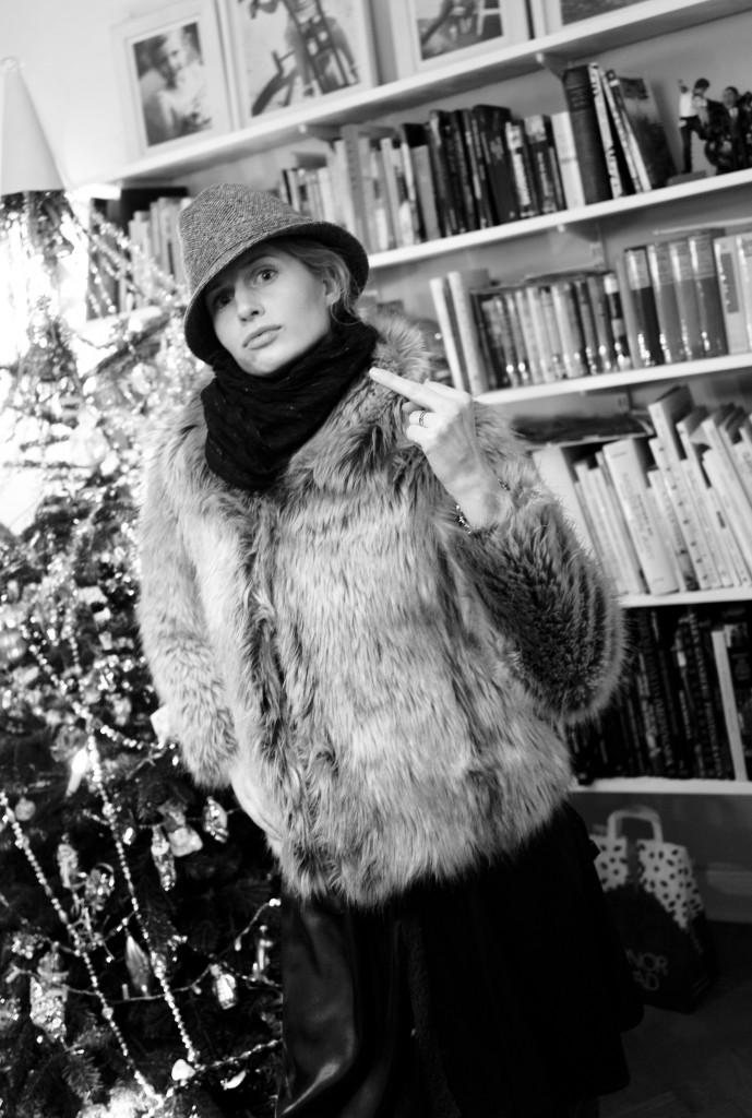 JennyModellarPa-Hatt-dec2009